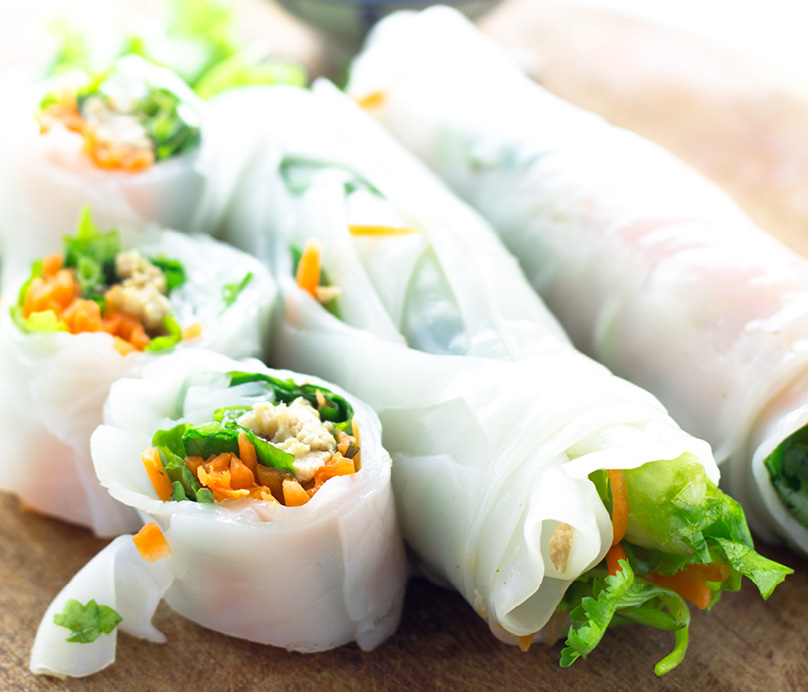CH4217_RecipeWebtiles_Chicken and Mint Rice Paper Rolls_404x3463